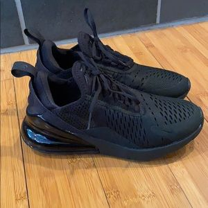 New women's all black nike airmax 270